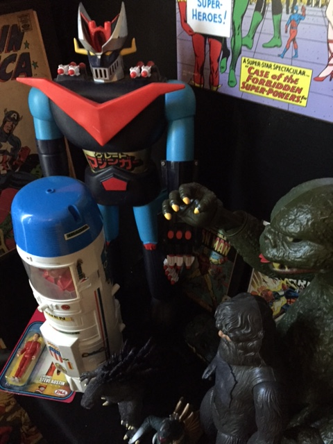 Here is Great Mazinger displayed with various other 1970's era pieces including the Godzilla from the same line.