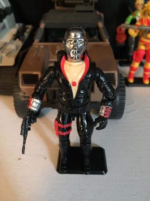 Destro.  Shirtless.  Sweet medallion.