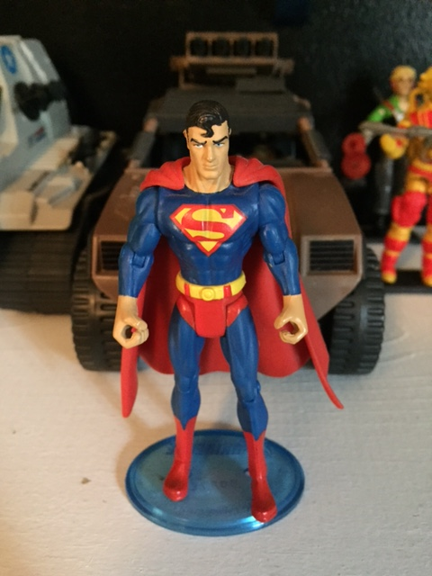 I love almost everything about this superman action figure (except the giant hands). The head sculpt is probably my favorite superman sculpt in any scale.