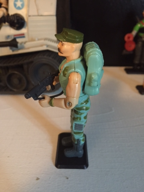 Gung-ho cuts a mean profile with his pronounced mustache, sleeveless vest, and grenade launcher.  there is nothing about this figure that is subtle.