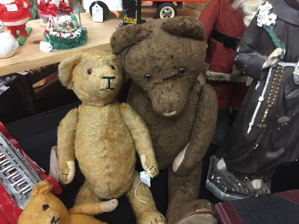 tonya spotted these antique teddy bears at a booth full of old stuff.
