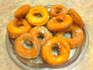 tonya's diner offers up a recipe for old fashion homemade donuts