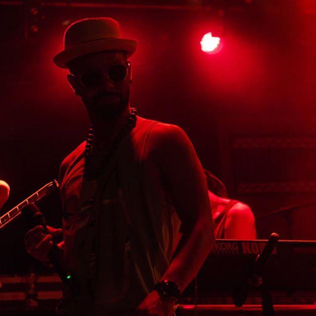 JaguarRedLight shoot by @mwprod #switzerland #geneva🇨🇭 #usinegeneve #latinmusicband #cumbialoca