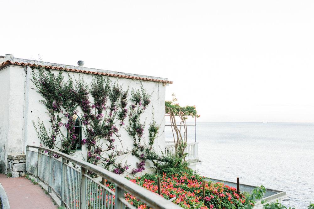 Print of Amalfi villa overlooking the Tyrrhenian Sea .