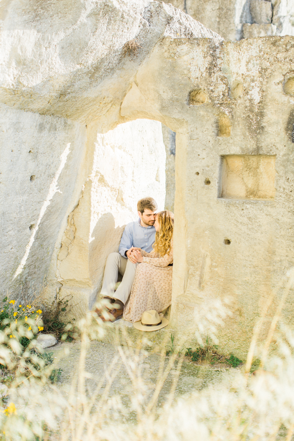 Chateau-des-Baux-de-Provence-Engagement-Session-6.jpg