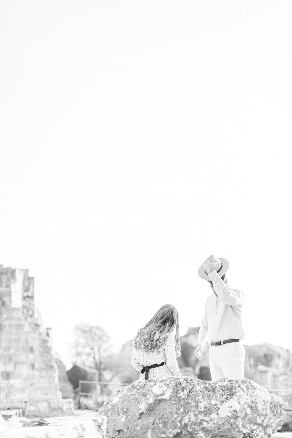 Chateau-des-Baux-de-Provence-Engagement-Session-17.jpg