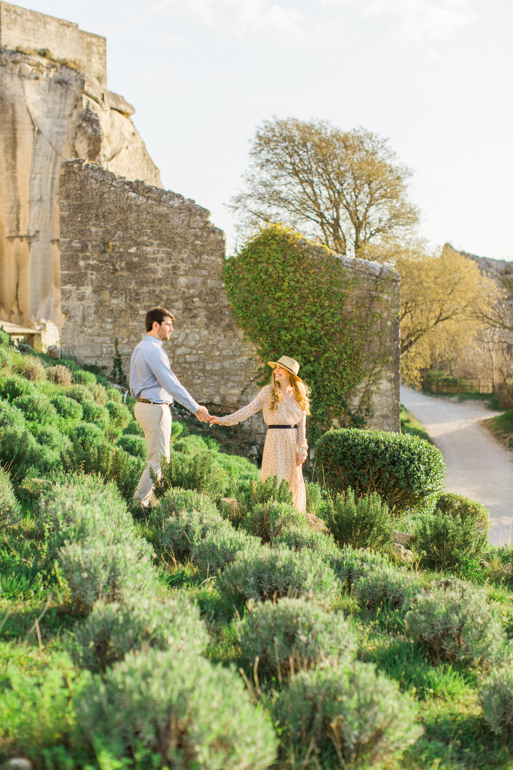 Chateau-des-Baux-de-Provence-Engagement-Session-18.jpg
