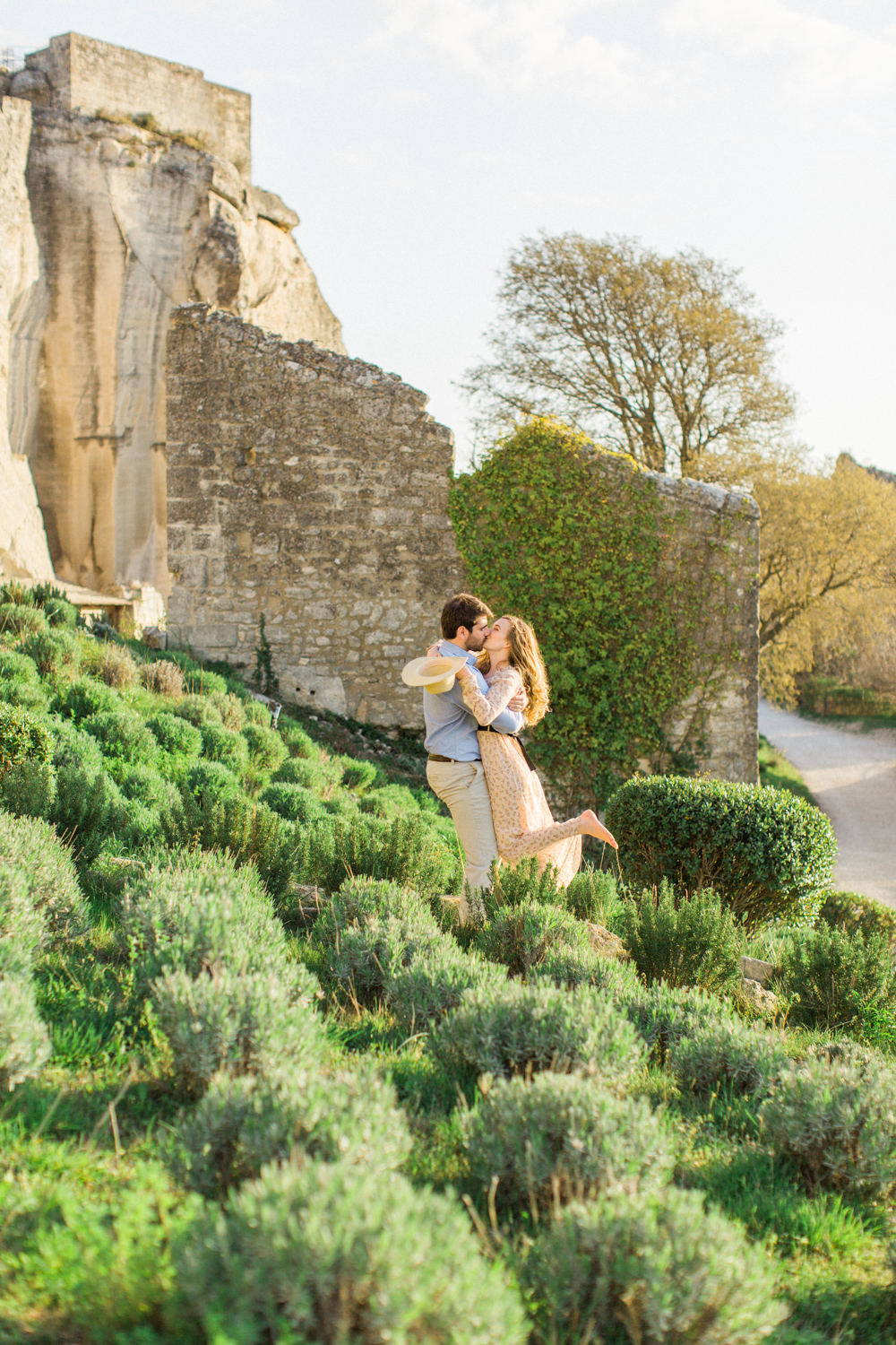 Chateau-des-Baux-de-Provence-Engagement-Session-19.jpg