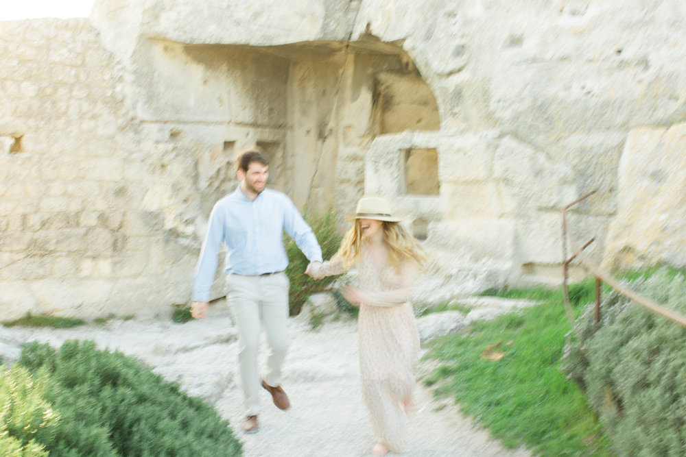 Chateau-des-Baux-de-Provence-Engagement-Session-20.jpg