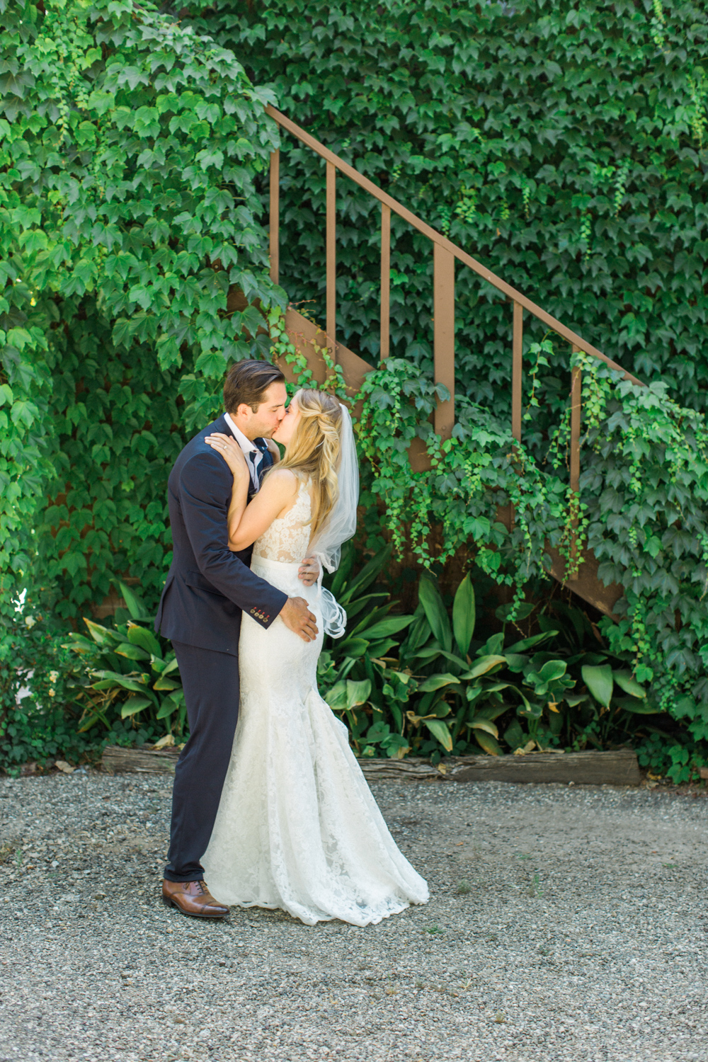 Relaxed and Colorful Ojai Ranch Wedding-8.jpg