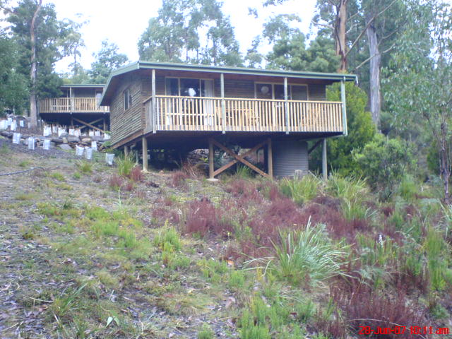 stewarts bay lodge port arthur.jpg