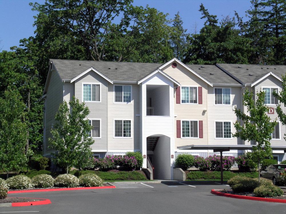 sundance-apartments-exterior2.jpg