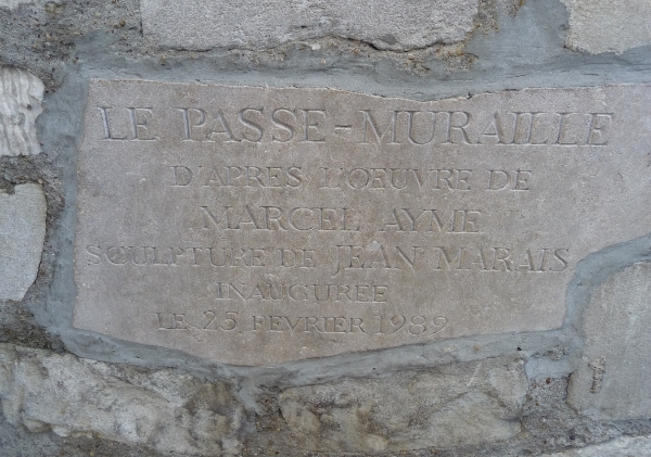 Le Passe Muraille sign.JPG