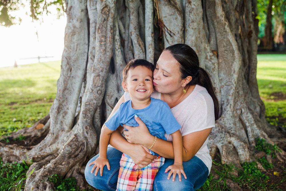 oahu.pureakuaphotography.familyphoto.4.jpg