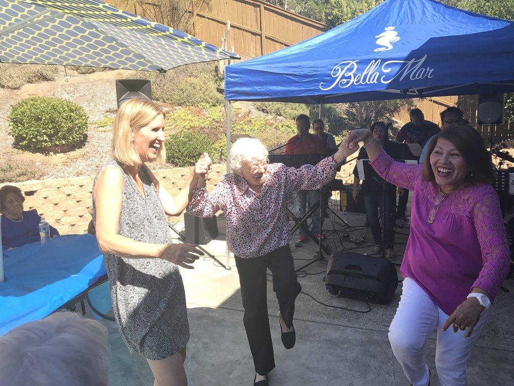Helle Dancing at 95