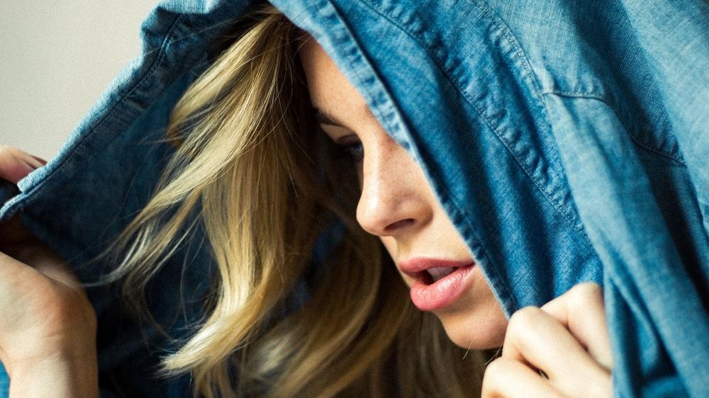 Sunday Morning - series, 2015 model - ELIZABETH TURNER