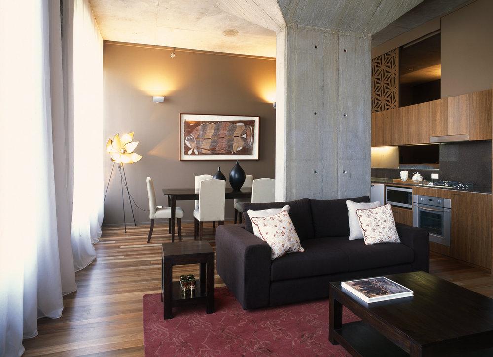 lounge apt.1.jpg