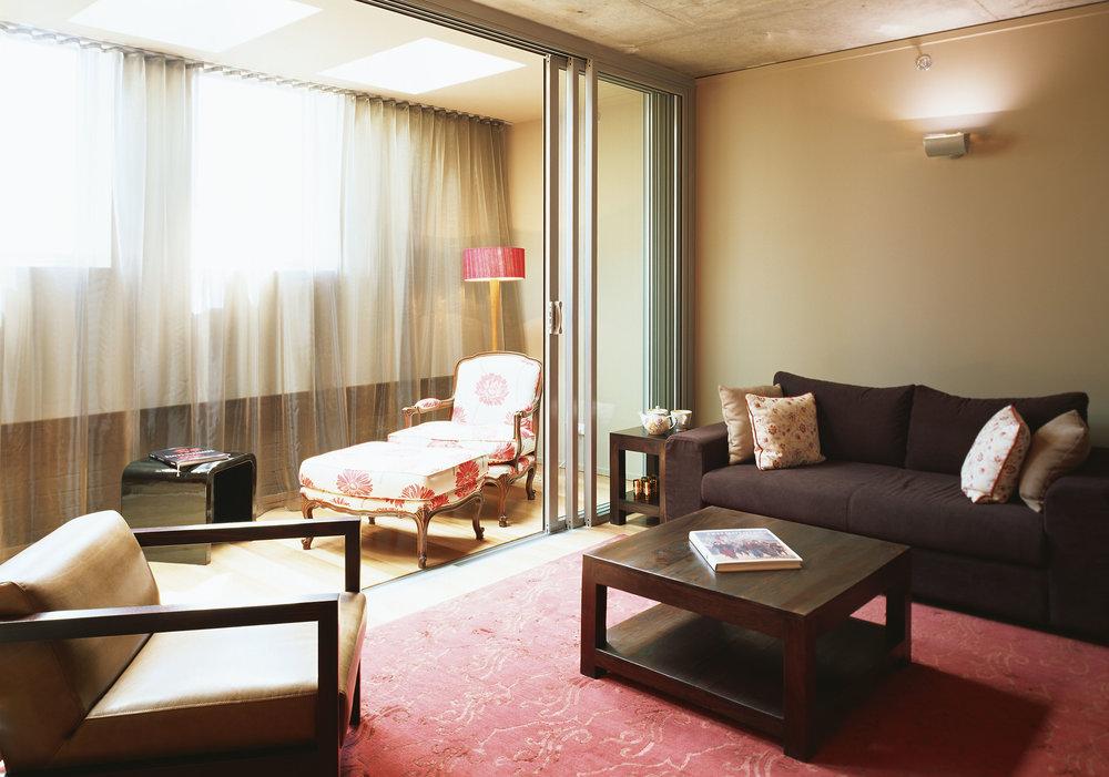 502 lounge.jpg