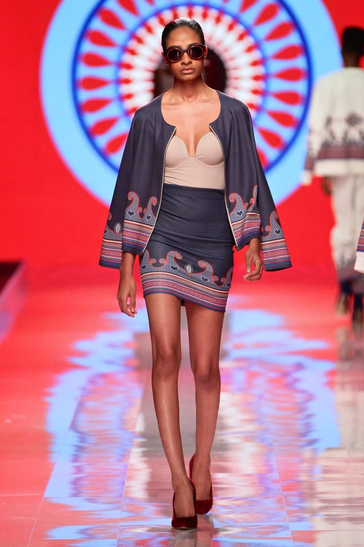 Mozambican-designer-Taibo-Bacar-MBFW-South-Africa-Zen-Magazine-Africa-2.jpg