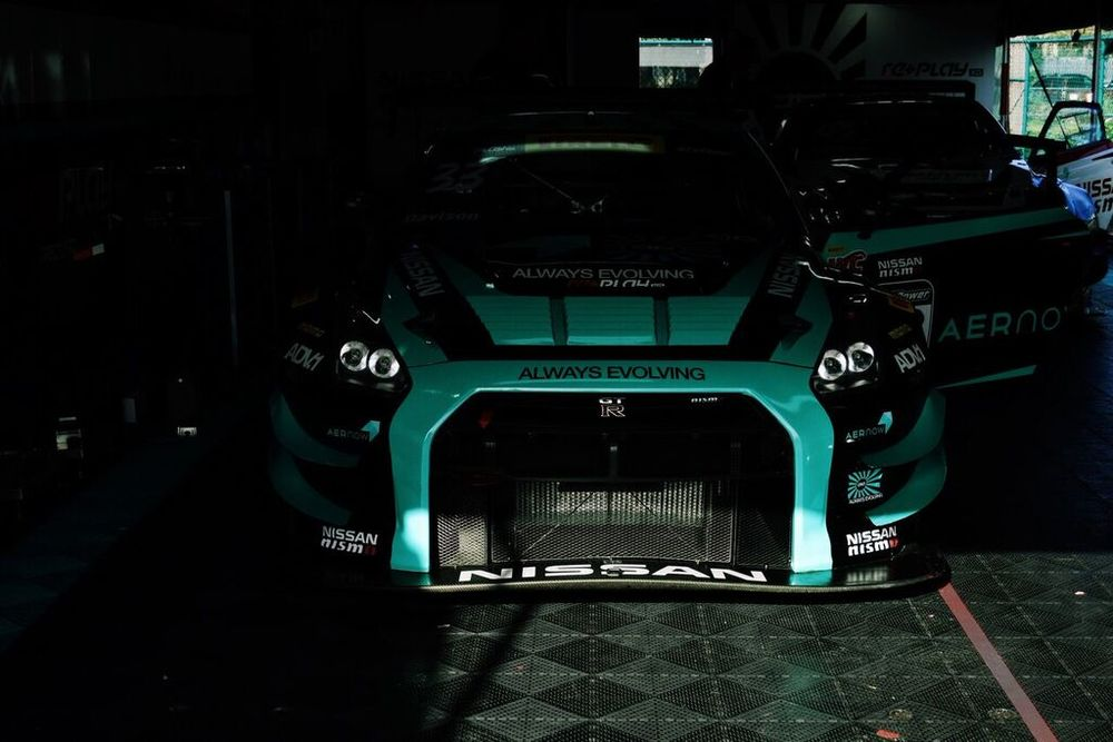 Inside the paddock - Nissan GTR