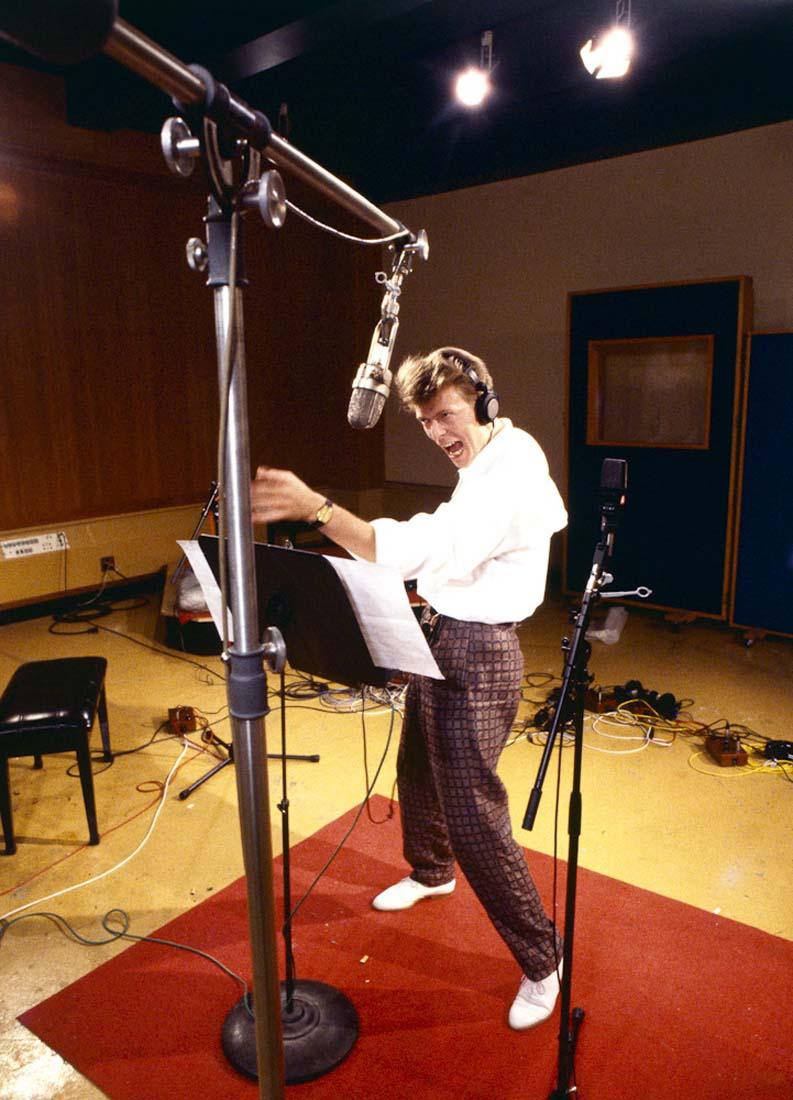 Bowie_dance_1a_flat.jpg