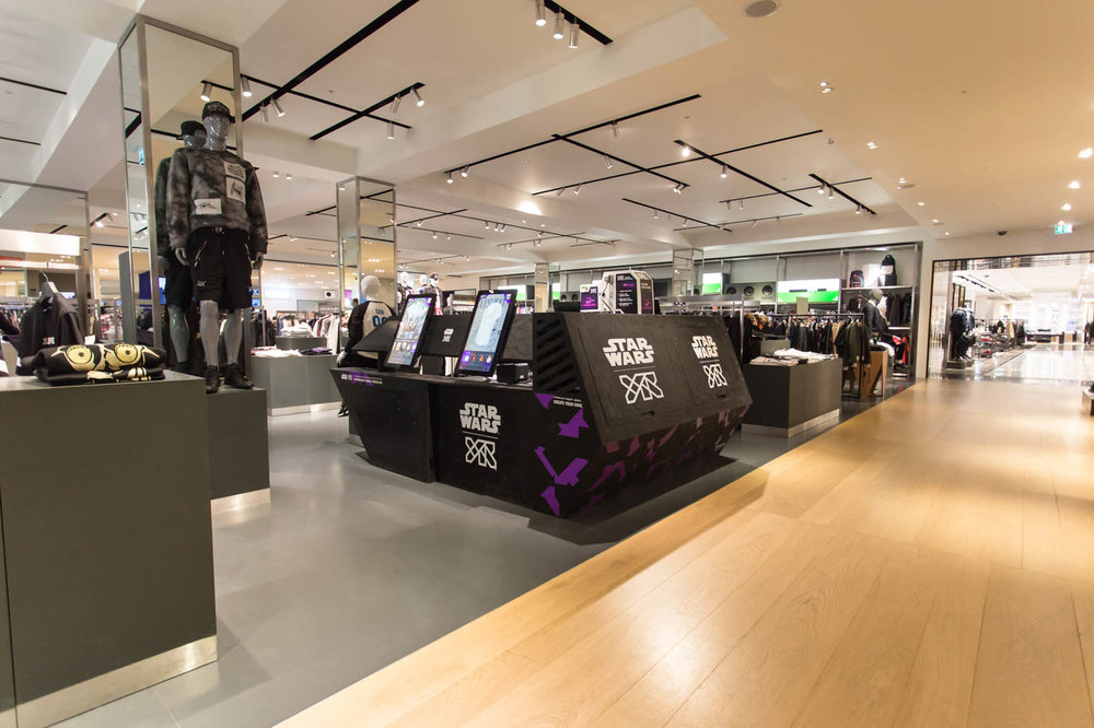 yr-star-wars-selfridges-fashion-retail-design-installation-left-designed-by-awake-bence-bilekov-1400.jpg
