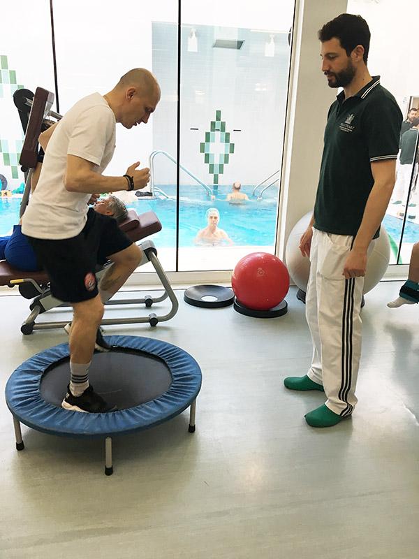 2-mykyta-kamenyuka-a-villa-stuart-per-controlli-a-4-mesi-dalloperazione-top-physio-specialist.jpg