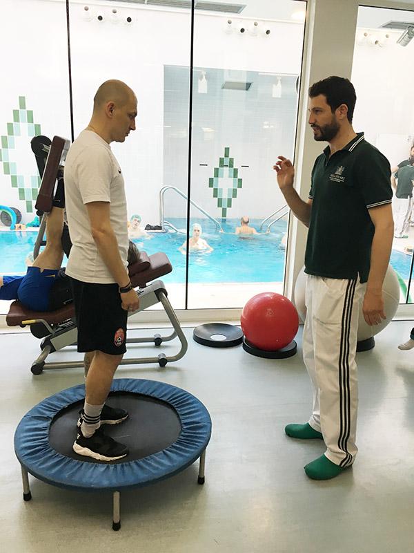 3-mykyta-kamenyuka-a-villa-stuart-per-controlli-a-4-mesi-dalloperazione-top-physio-specialist.jpg