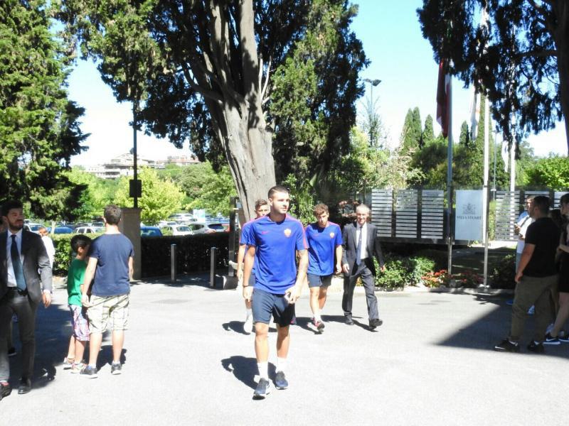3-roma-giocatori-a-villa-stuart-per-le-visite-mediche-top-physio-specialist.jpg