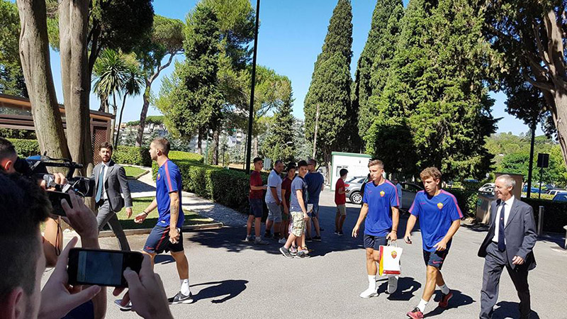 5-roma-giocatori-a-villa-stuart-per-le-visite-mediche-top-physio-specialist.jpg