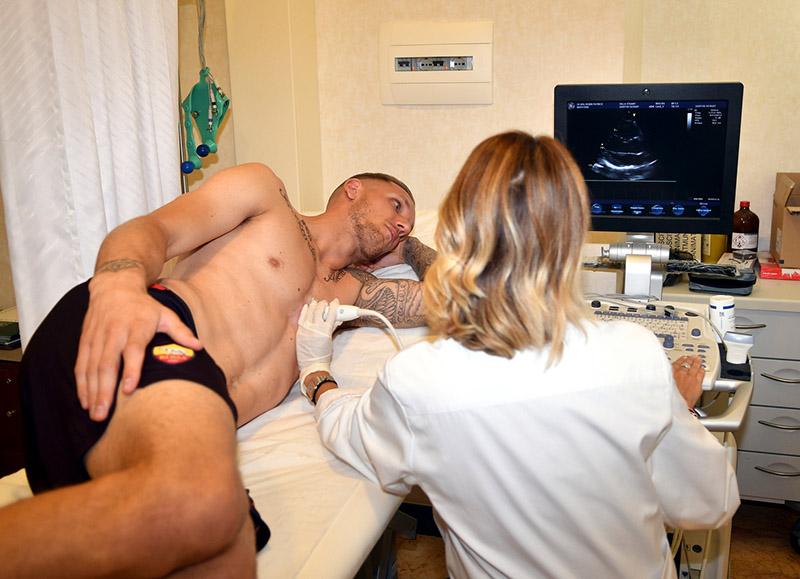 1-roma-visite-mediche-e-firma-per-olsen.jpg