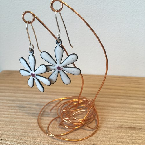 bring drop your collection twist daisyearrings earrings with ethereal outfit features a romantic daisy rose flower and will silver the festival matching gold to stud wear it