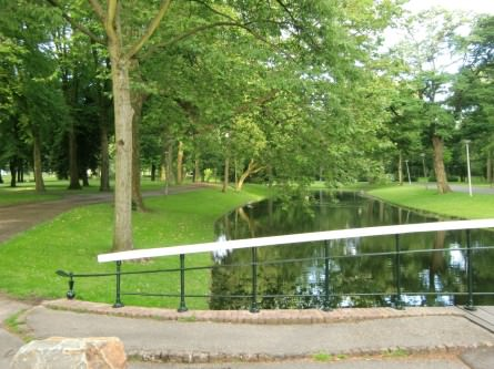 trouwreportage locatie scouten in het park