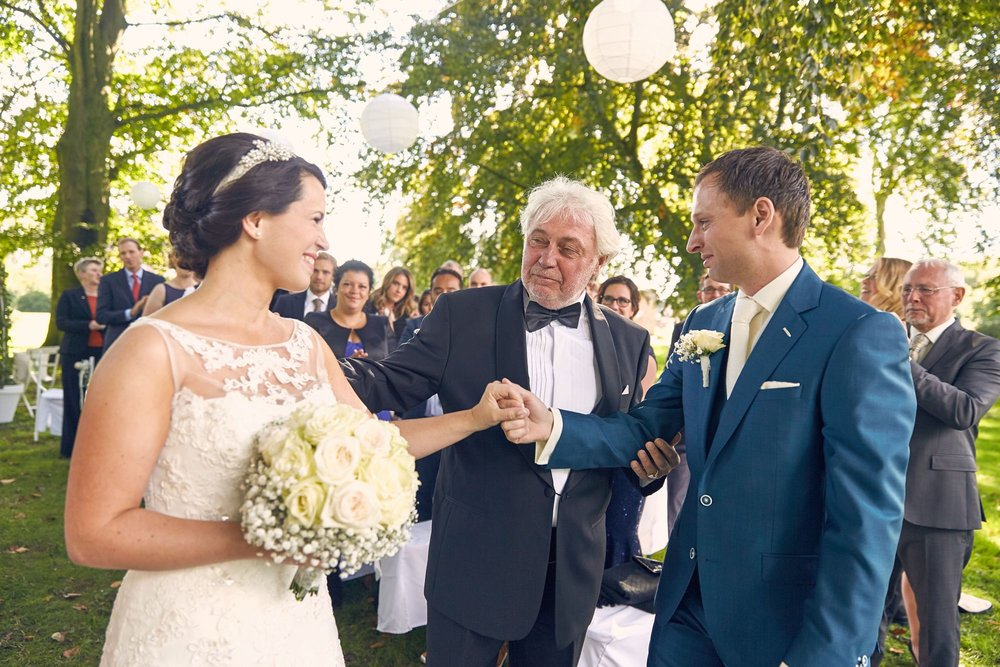 bruidsfotografie-duitsland-schloss Hertefeld-weeze-trouwreportage-280A.jpg