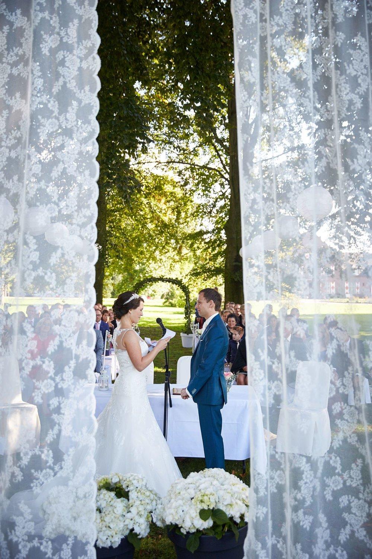 bruidsfotografie-duitsland-schloss Hertefeld-weeze-trouwreportage-282A.jpg
