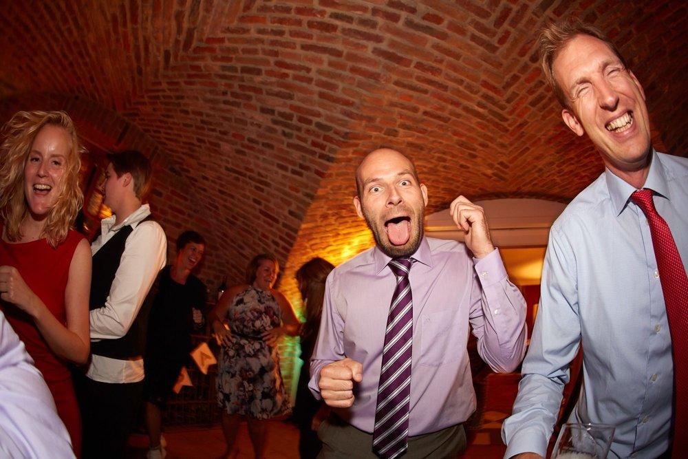 bruidsfotografie-duitsland-schloss Hertefeld-weeze-trouwreportage-299A.jpg