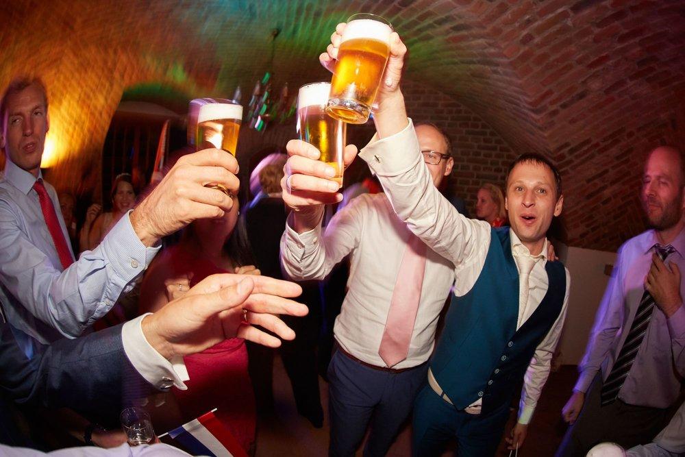 bruidsfotografie-duitsland-schloss Hertefeld-weeze-trouwreportage-303A.jpg
