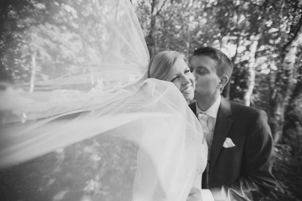 trouwshoot-bruidsfotografie-trouwfoto-feestfotografie-Nienke en Vincent-96.jpg