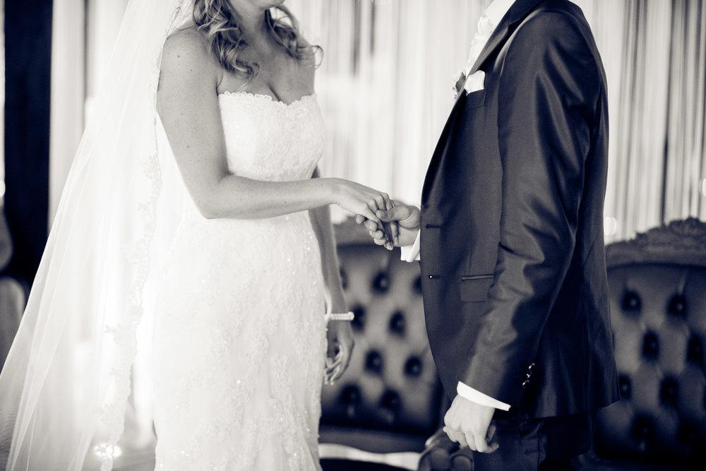 trouwshoot-bruidsfotografie-trouwfoto-feestfotografie-Nienke en Vincent-99.jpg