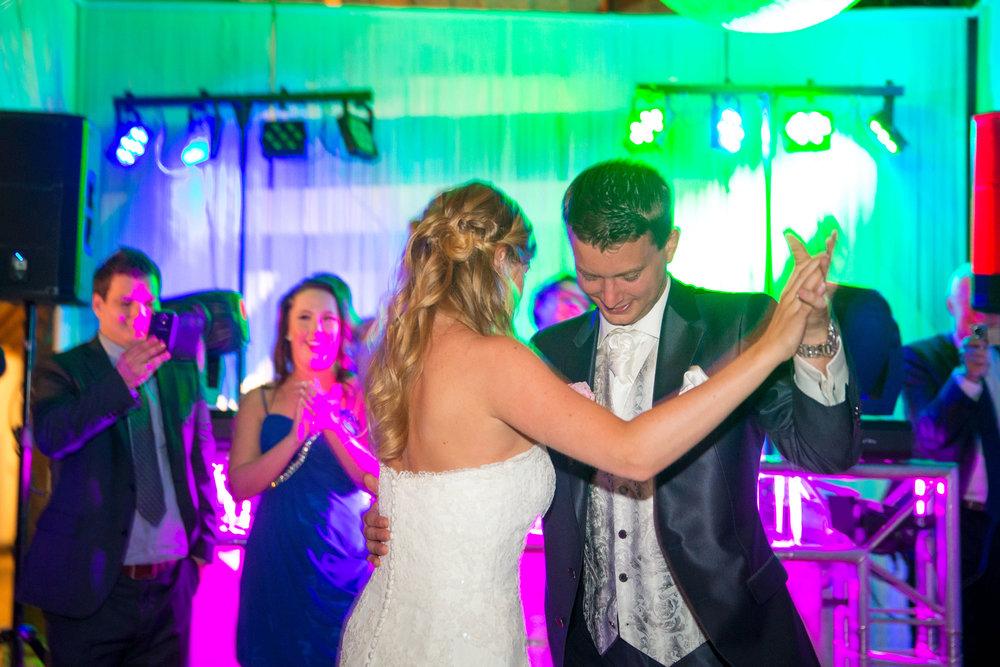 trouwshoot-bruidsfotografie-trouwfoto-feestfotografie-Nienke en Vincent-108.jpg