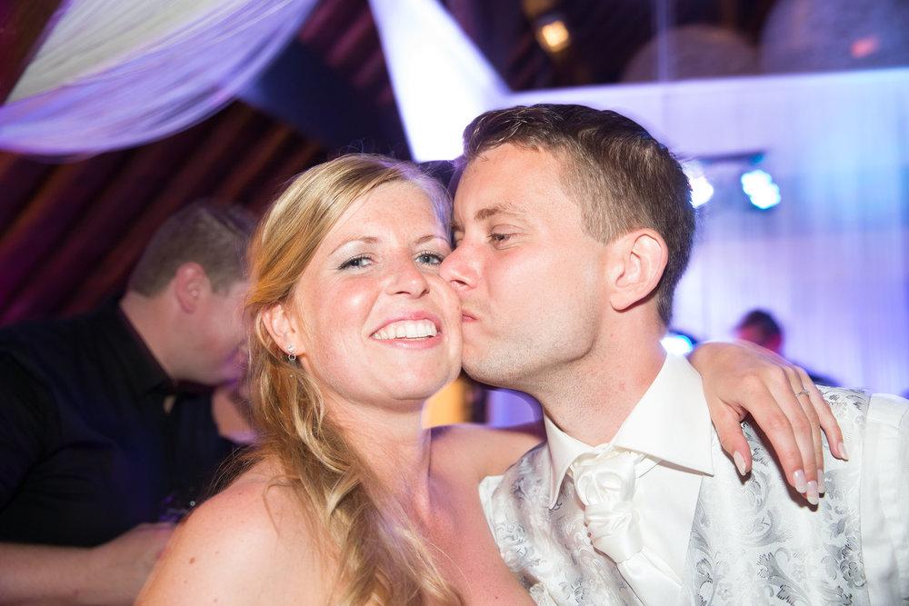 trouwshoot-bruidsfotografie-trouwfoto-feestfotografie-Nienke en Vincent-111.jpg