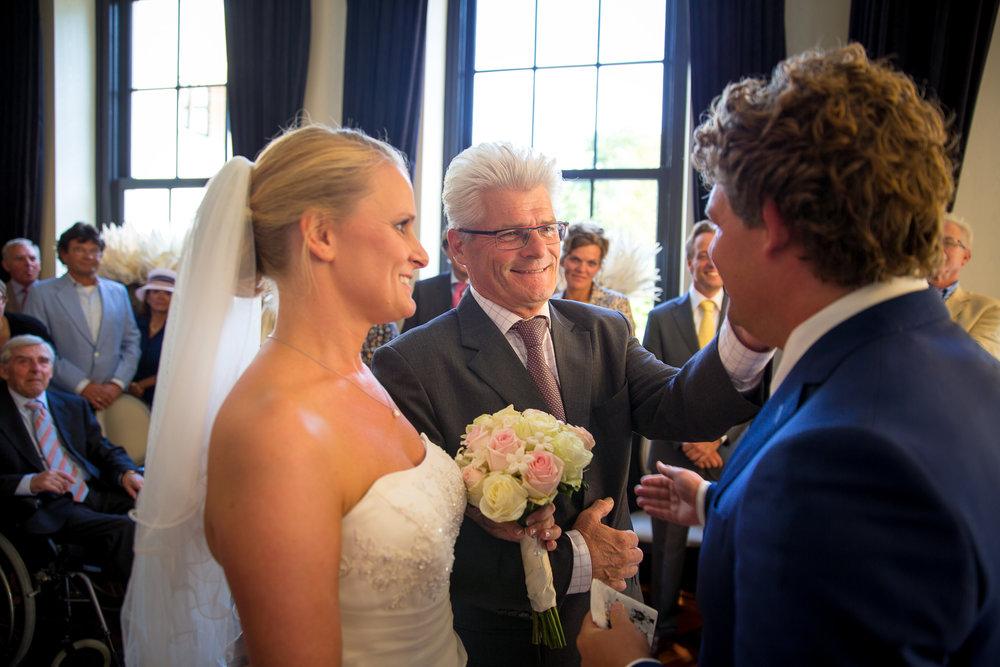trouwshoot-bruidsfotografie-trouwfoto-feestfotografie-liselotte en matthijs-233.jpg