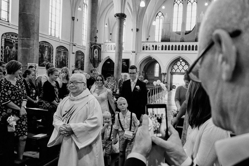 bruidsfotografie-trouwreportage-Bouvigne-Joyce-Yuri_1566.jpg