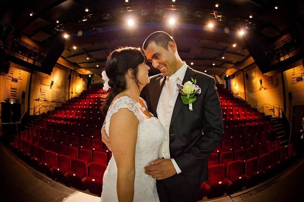 trouwfoto in theater de Naald