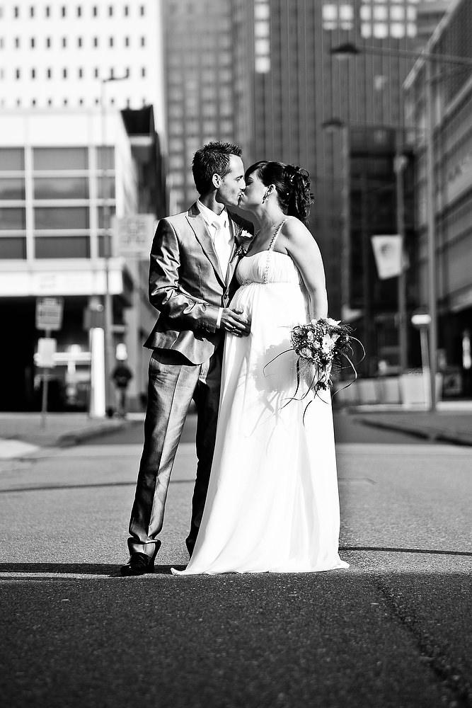 trouwshoot bruidsfotografie op de kop van Zuid Rotterdam