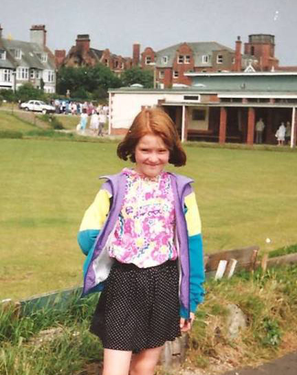 Me, rocking my jazzy pink Tammy Girl hoody back in 1989! HOT .