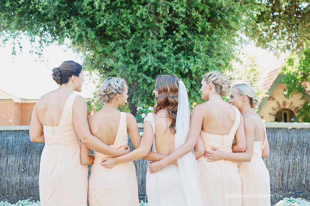 bird-in-hand-wedding-photography03