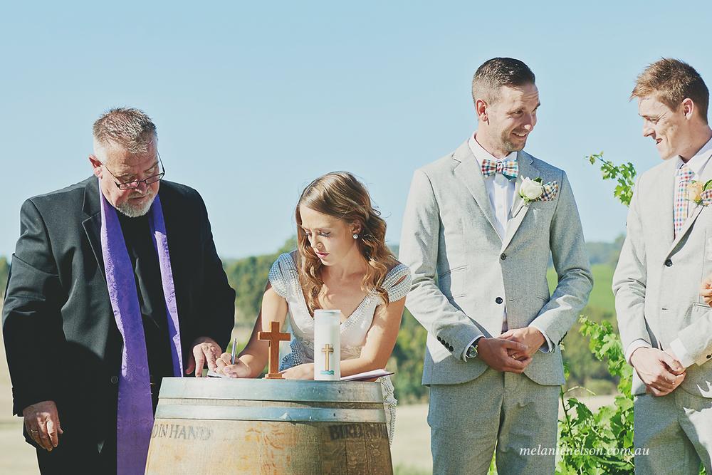 bird-in-hand-wedding-photography15