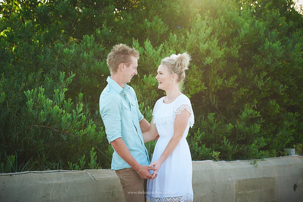 beach_engagement_photography_adelaide_0002.jpg