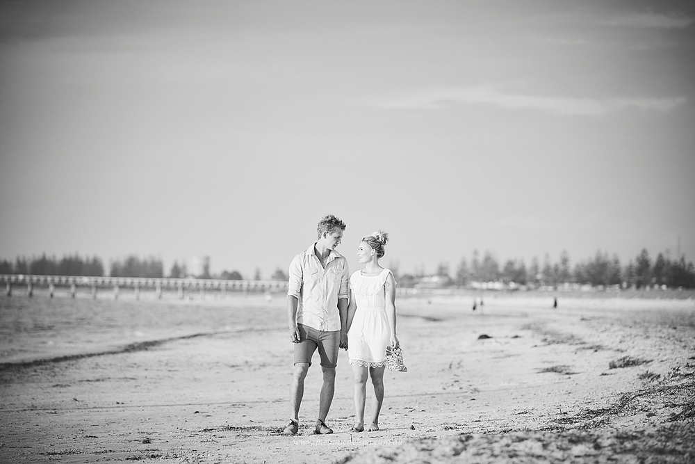 beach_engagement_photography_adelaide_0006.jpg